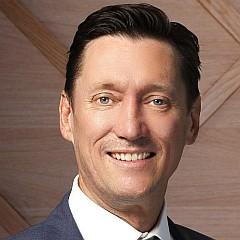 headshot for Mark Hansen