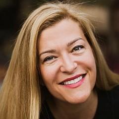 headshot for Suzanne Heidelberger