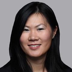headshot for Susan Au